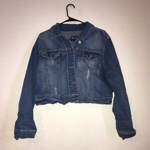 NWOT Amethyst distressed jean jacket- size Xlarge